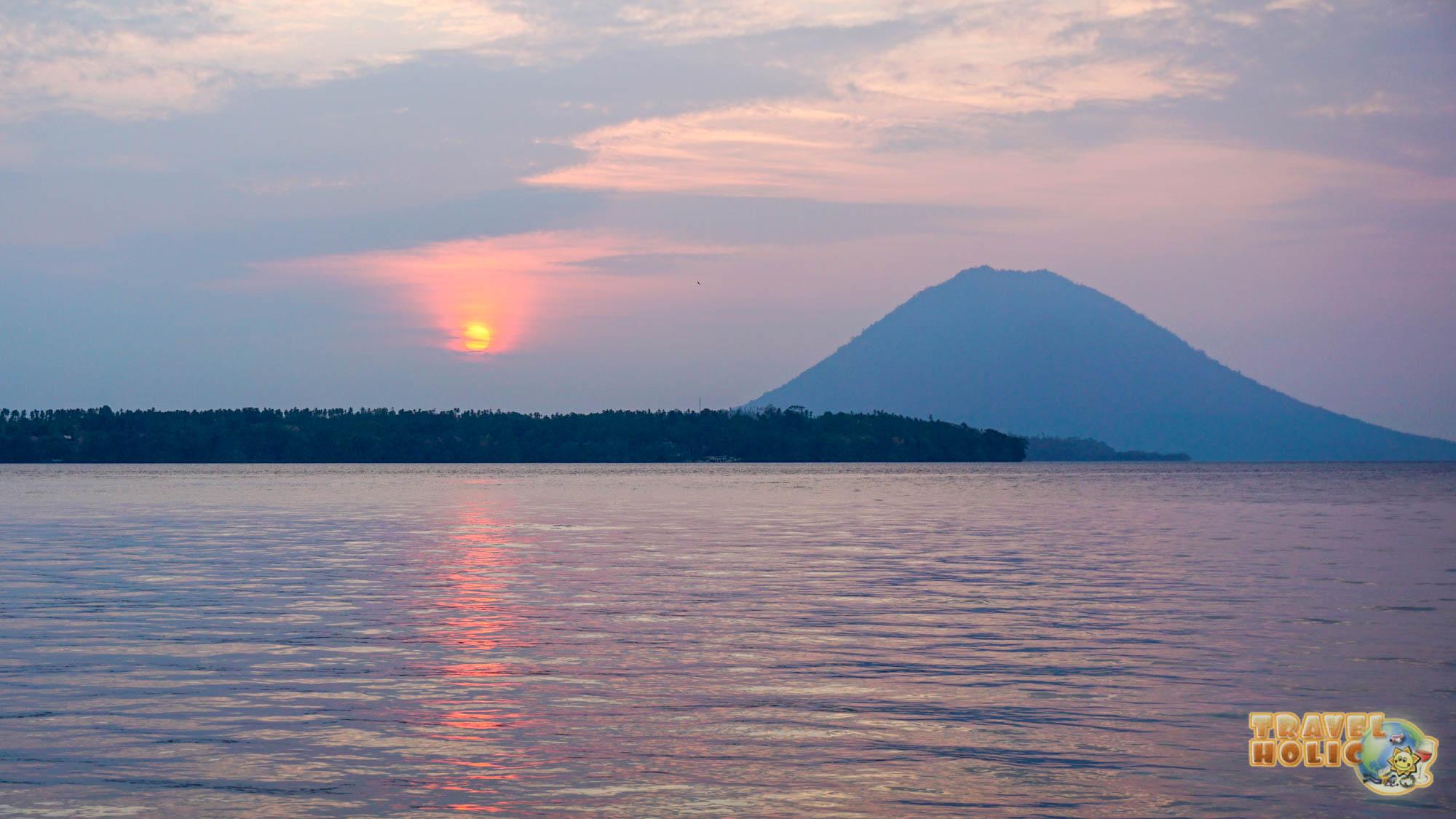 Le Manado Sua, volcan sur l'île de Bunaken