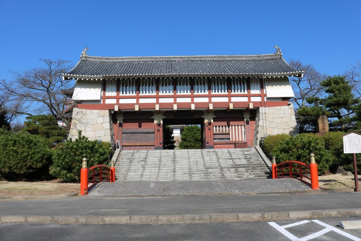 伏見桃山城の門