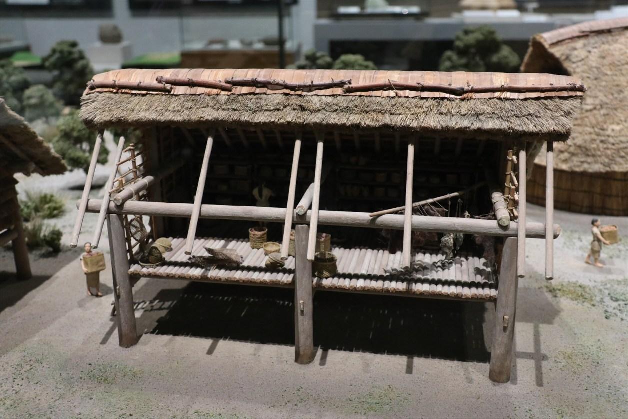 三内丸山遺跡の復元模型