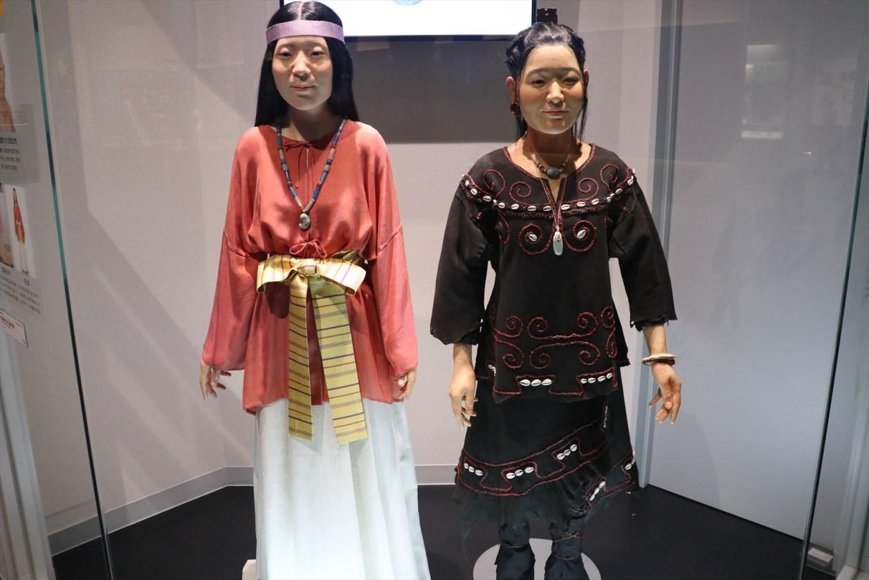 縄文人女性と弥生人女性の再現模型