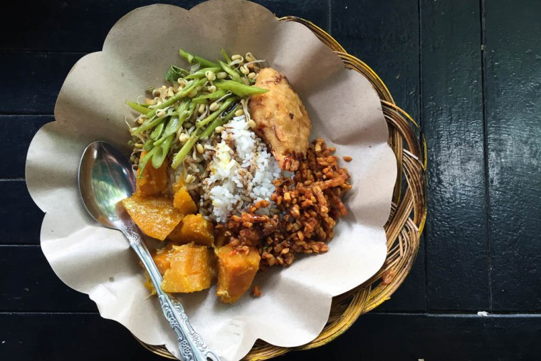 nasi-campur-indonesia