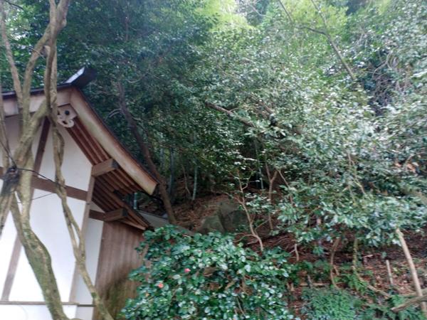 腰神神社の大石
