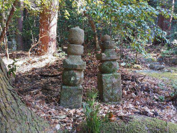 畠山高政の墓