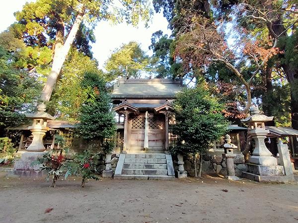 蟹井神社の本殿01