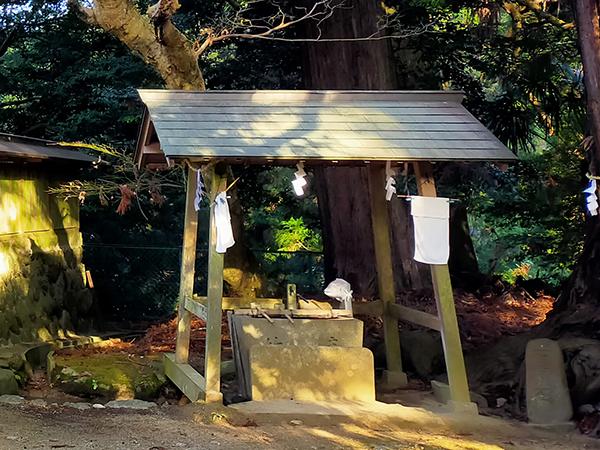 蟹井神社の手水舎