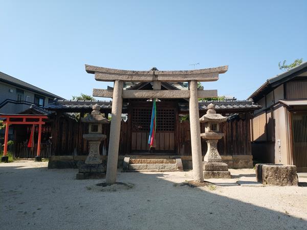 軽羽迦神社の社殿