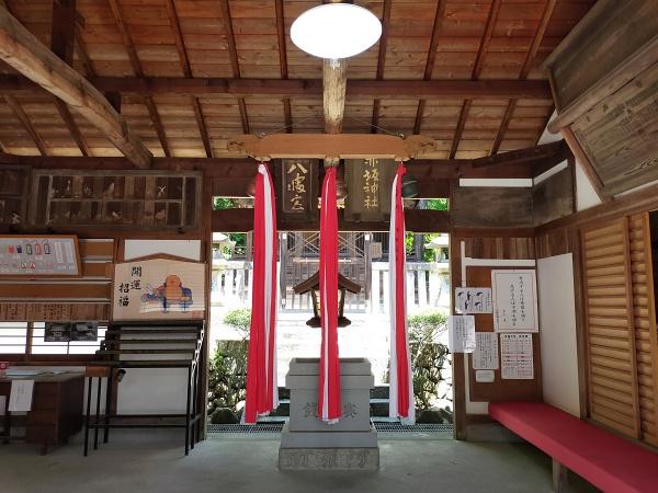 赤坂上之山神社の拝殿
