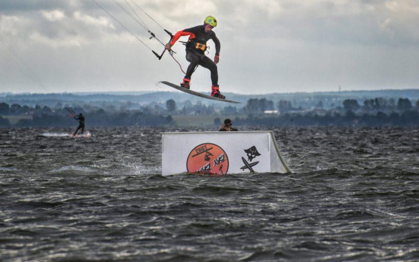 kite park kicker pass 360 kiteboarding championship hel flyn