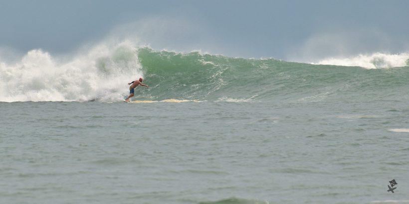 vietnam surfing big waves