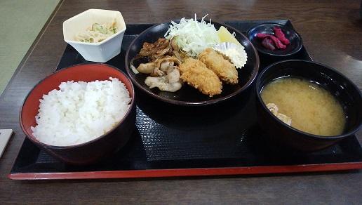 生姜焼き&カキフライ定食 実物