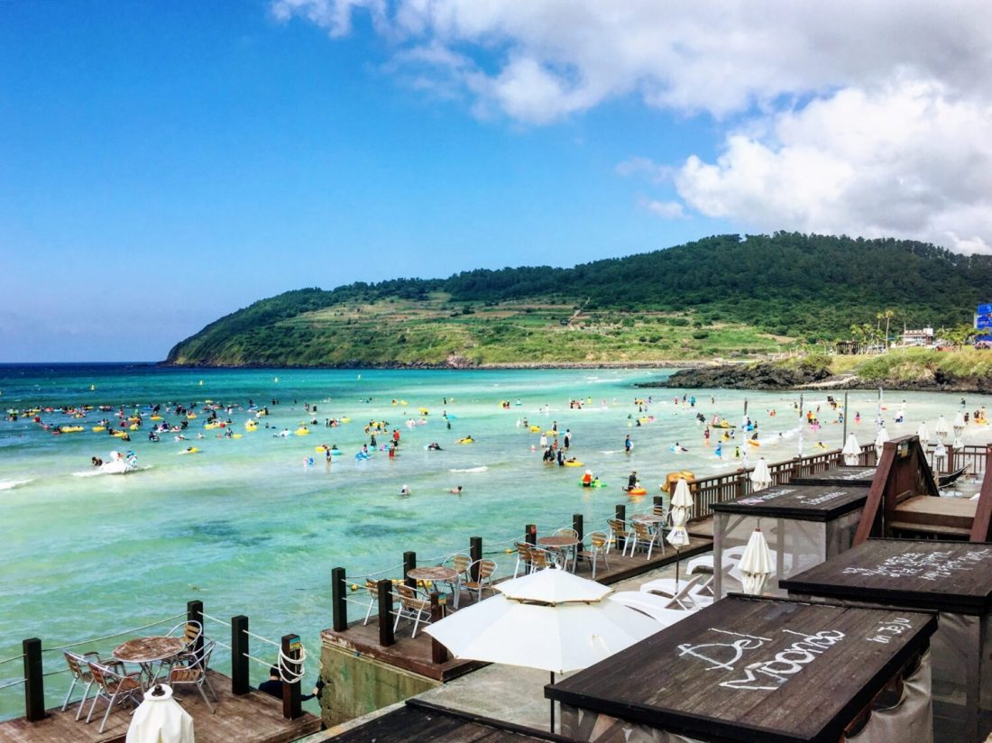 cafe delmoondo hamdeok beach jeju island