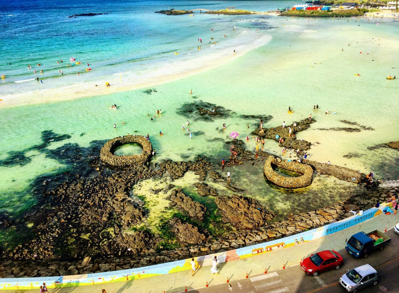 beaches in korea | sandbar at hamdeok beach in jeju
