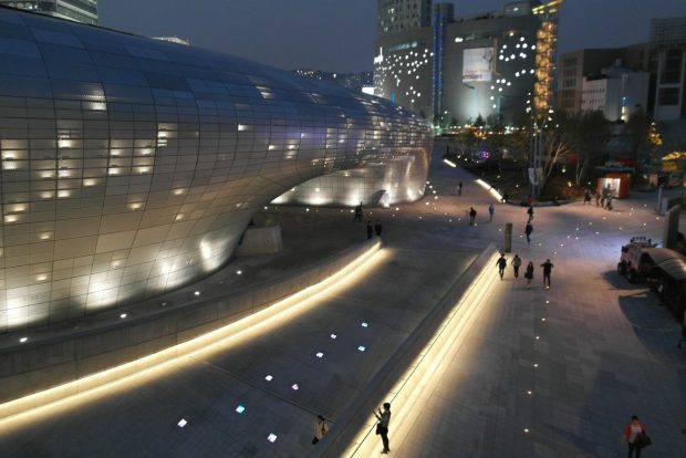 Dongdaemun Design Plaza - Seoul nightlife