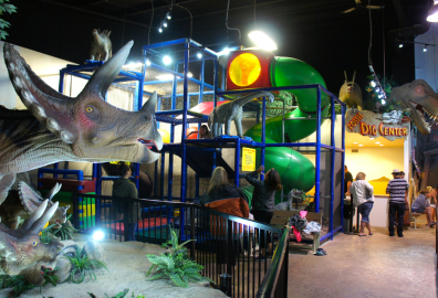 things to do in drumheller, drumheller attractions, drumheller with kids, fossil world