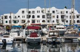 Яхты в порту Эль-Кантауи (Эль-Кантави), Тунис