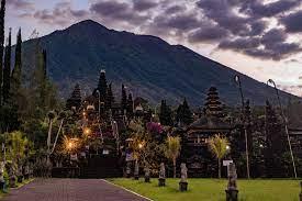 Pura Besakih Terbesar dan Agung di Bali