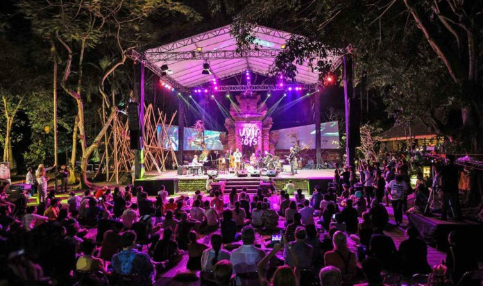 Ubud Village Jazz Festival is a celebration of traditional and modern artistry, music and dance. Image: www.thebeatbali.com