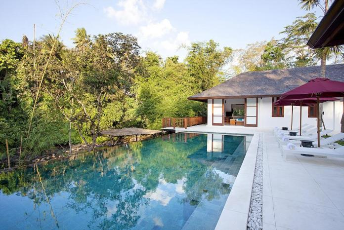 infinity pool holiday villas in bali