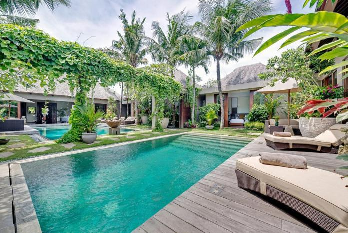 Bali beach holiday villas with a chef