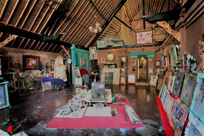Blanco Renaissance Museum is ideal for a visit during rainy days