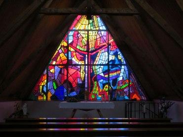 Auf jeden Fall einen Besuch wert die Kirche oben. Die Kirche auf der Tauplitzalm ist in ihrer äußeren Form dem Gipfel des Sturzhahns nachgebildet und verweist auf die Unzertrennlichkeit von Natur und Glaube