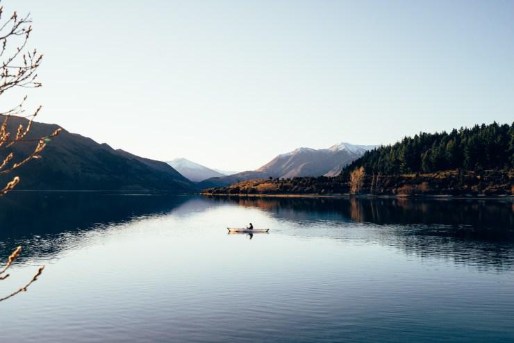 Kayak Lake Wanaka New Zealand 8