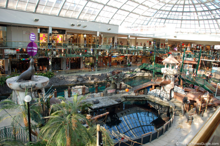 A Look Inside The 2 Largest Malls On Earth The Travel Guide