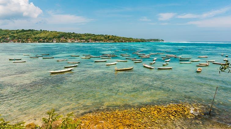 Nusa Lembongan and Nusa Ceningan. Seaweed farmers boats
