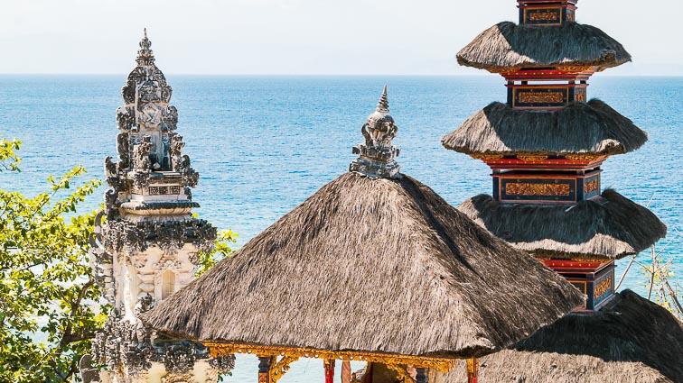 Nusa Penida. Temple by the sea