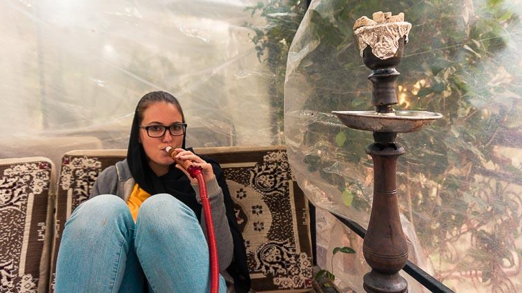 Laws in Iran. Smoking sisha