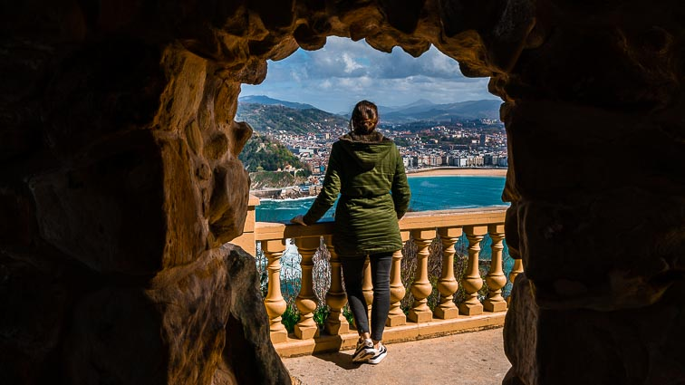 Go to the best viewpoint in San Sebastián: Monte Igueldo