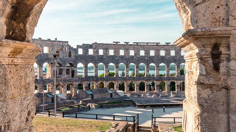 Things to do in Kroatia: Visit Pula's coliseum