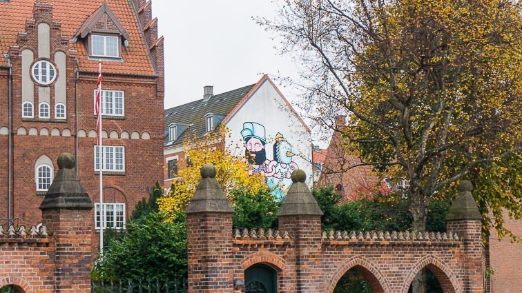 Street art on a building in Nørrebro