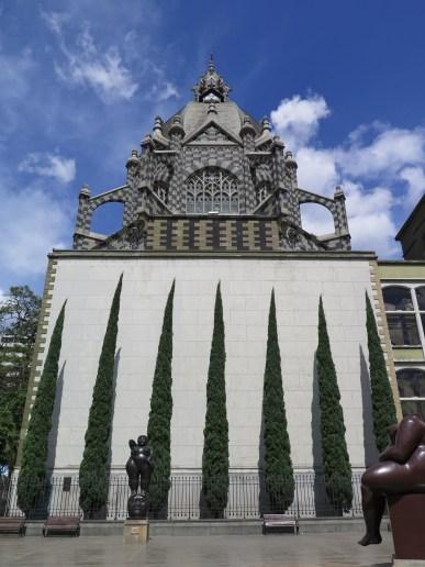 Plaza Botero and Palacio de la Cultura