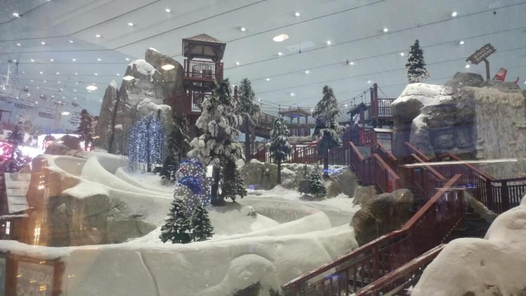 Ski Dubai, ski hill, mall