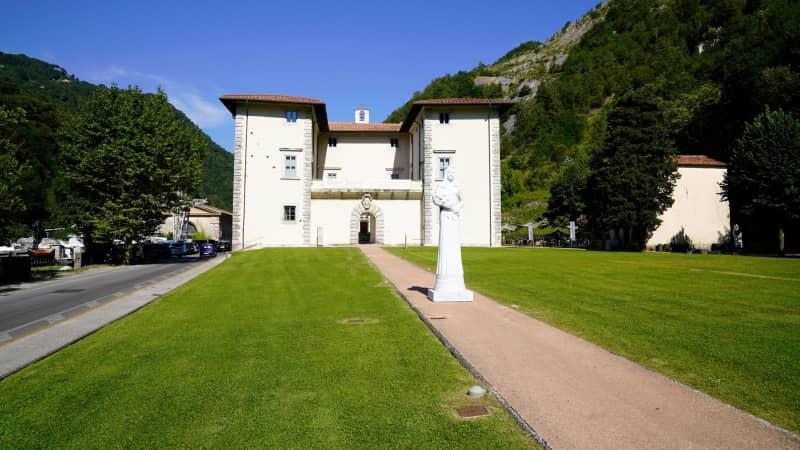 The Medici villa at Seravezza, one of the locations for the Uffizi Diffusi.