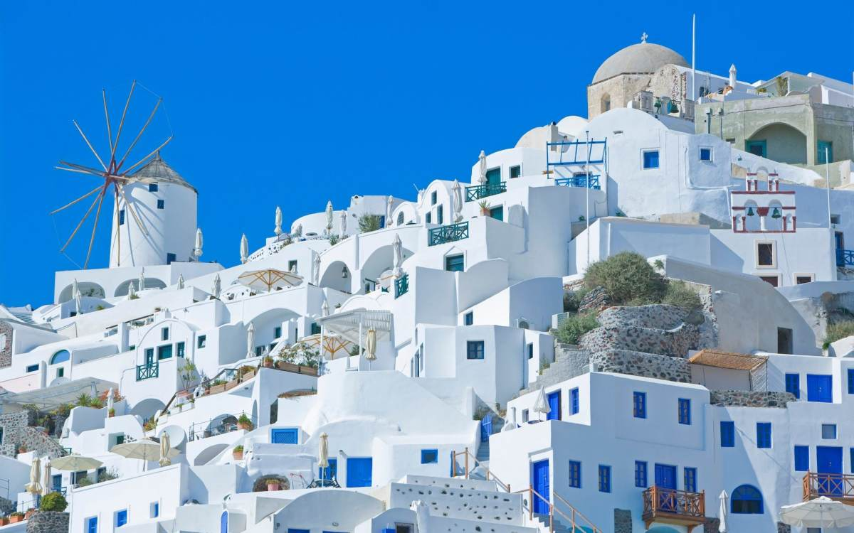 Greece has launched a major campaign to vaccinate its islands, including Santorini