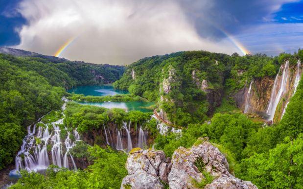 Travel Plitvice Lakes National Park: The Heaven in Croatia