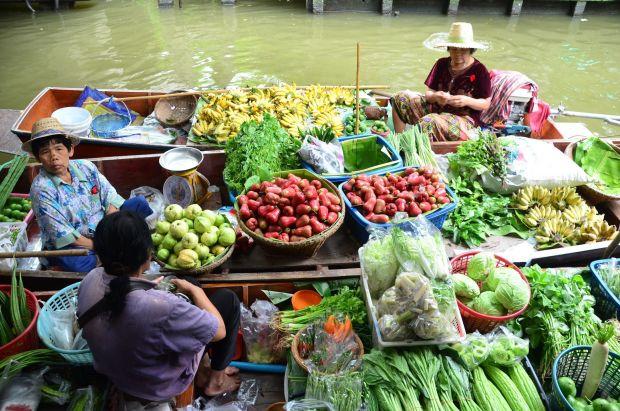 Khlong Lat Mayom For local food
