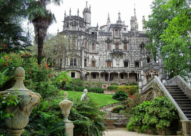 Explore Quinta da Regaleira Sintra