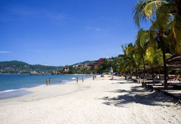 Zihuatanejo best beach towns in Mexico