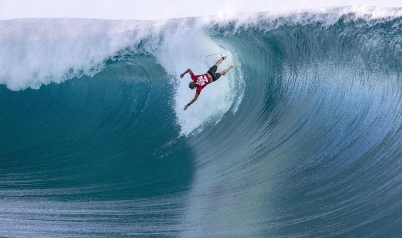 Surf in Teahupo'o Tahiti