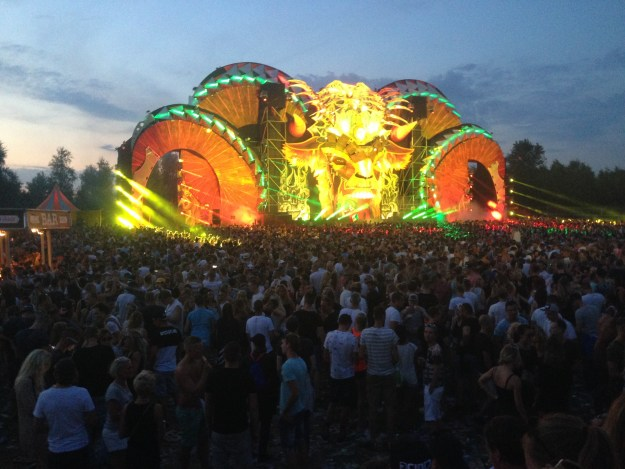Q-Dance stage at dusk