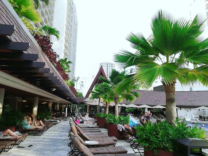 ハワイのホテルのビーチサイド