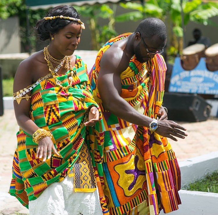 Ghanaian Couple wearing Kente Fabric outfit. |Traditional Ethnic Clothes of Ghana