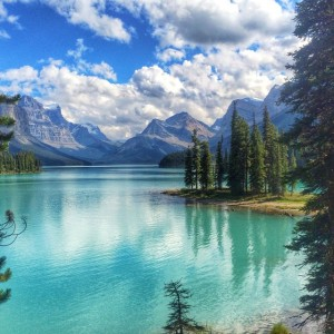 The incomprable Maligne Lake in Jasper