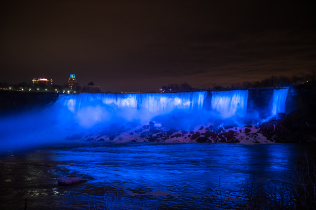 Niagara Parks, Falls at night lights