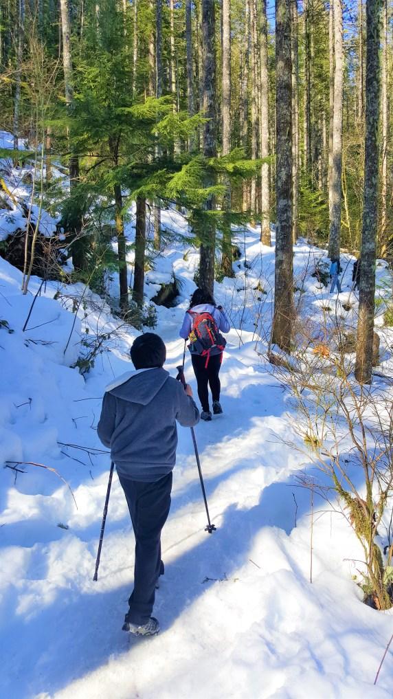 Hiking to Rattlesnake Ledge.  Snow Hiking to Rattlesnake Ledge
