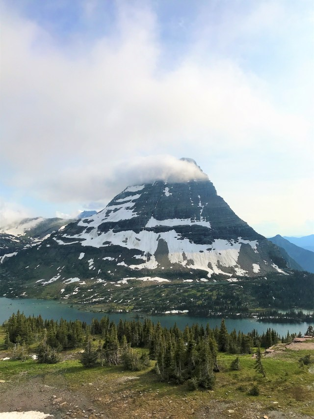 Scenic view of Hidden Lake with Bearhat mountain in back