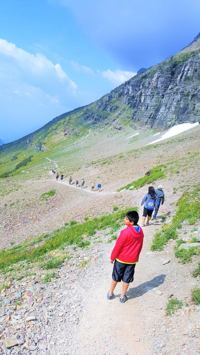 Hiking on Hidden Lake trail